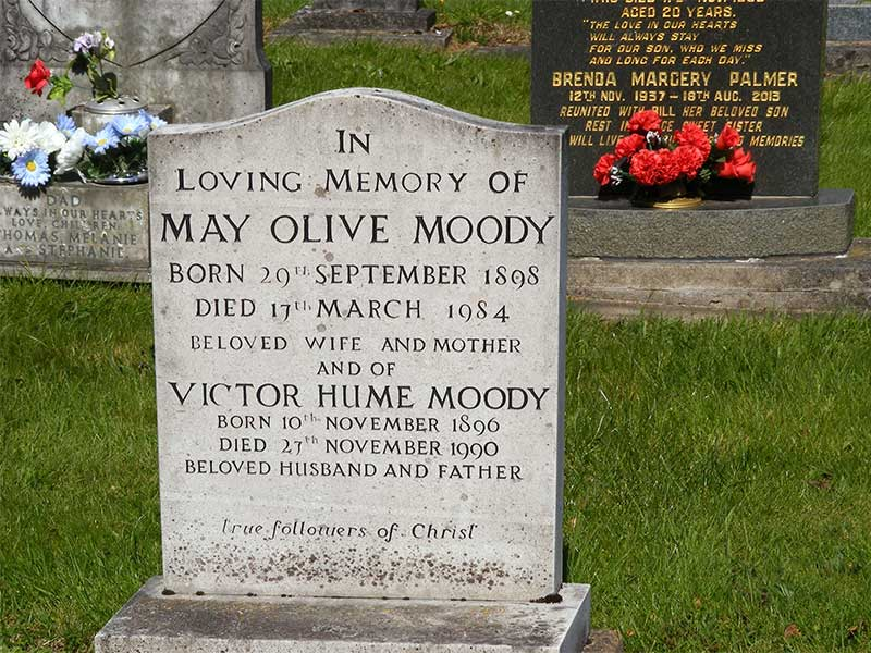 Memorial to Victor Hume Moody