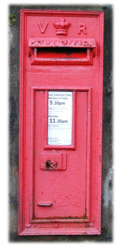 Victorian post box in Worcester Rd