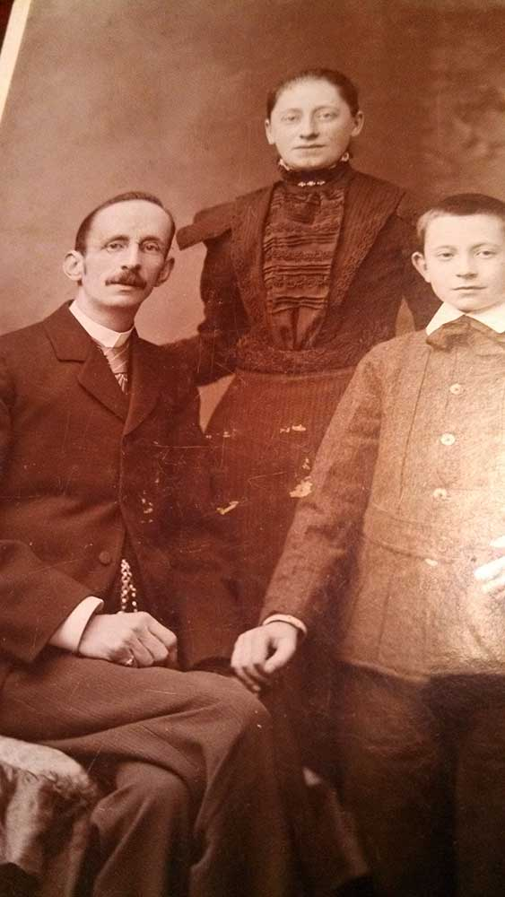 Henry E Robinson and family